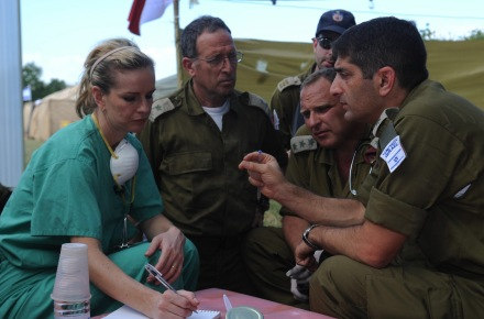 flickr_-_israel_defense_forces_-_idf_coordination_with_american_doctor_1